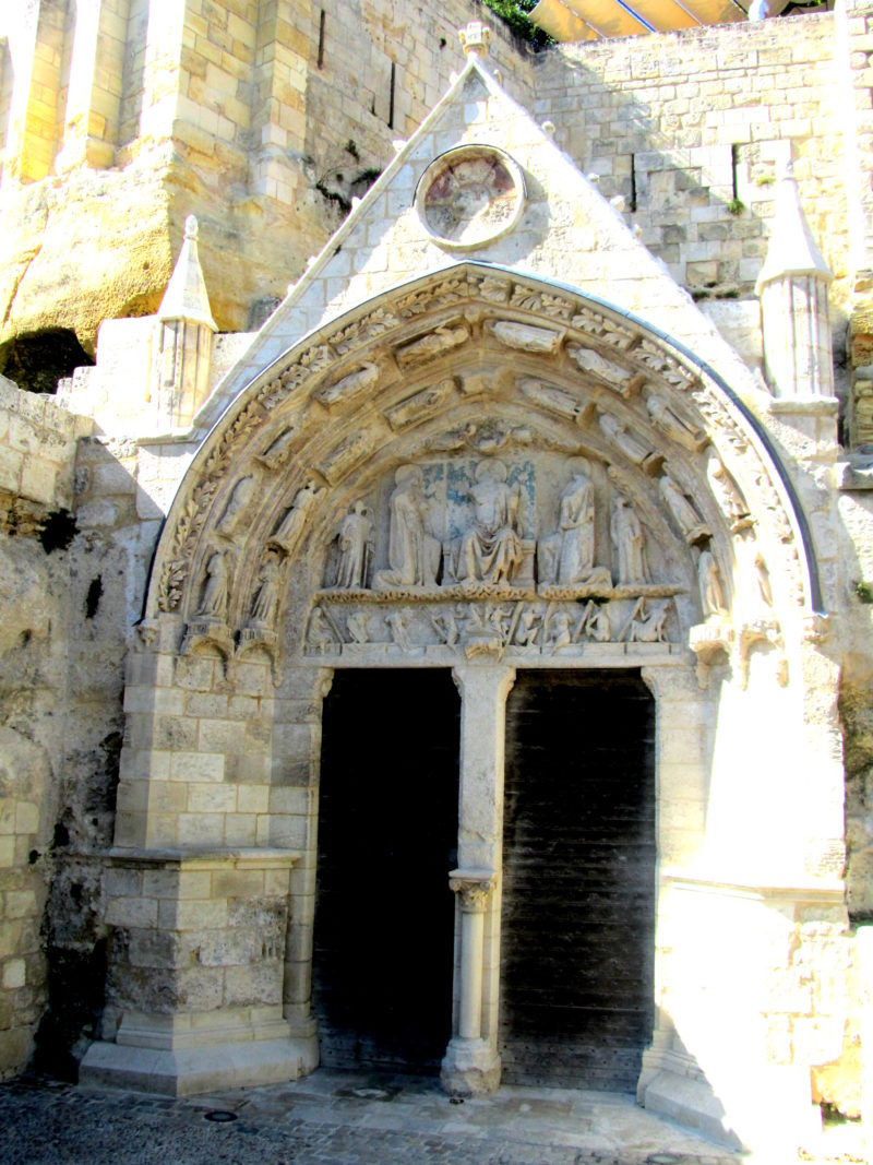 eglise troglodite monolithic church St Emilion underground