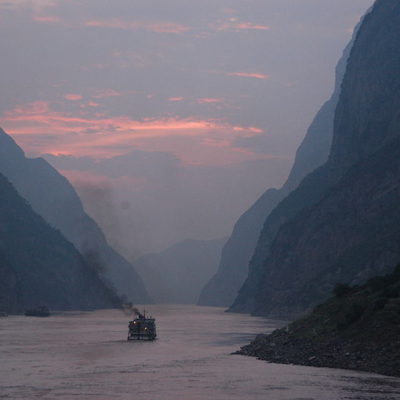 Cruise China and Yangtze River sunset